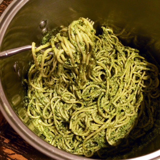 Tallarines verde, or Peruvian pesto noodles, right in the pot