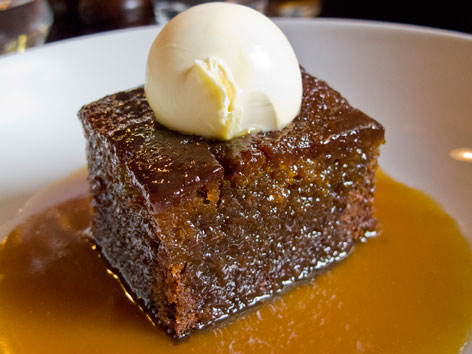 Sticky toffee pudding in London